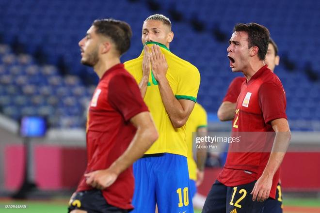 Quẳng đi 2 cơ hội mười mươi, Brazil vẫn tung cú đấm hạ gục Tây Ban Nha để bảo vệ thành công tấm HCV Olympic - Ảnh 13.