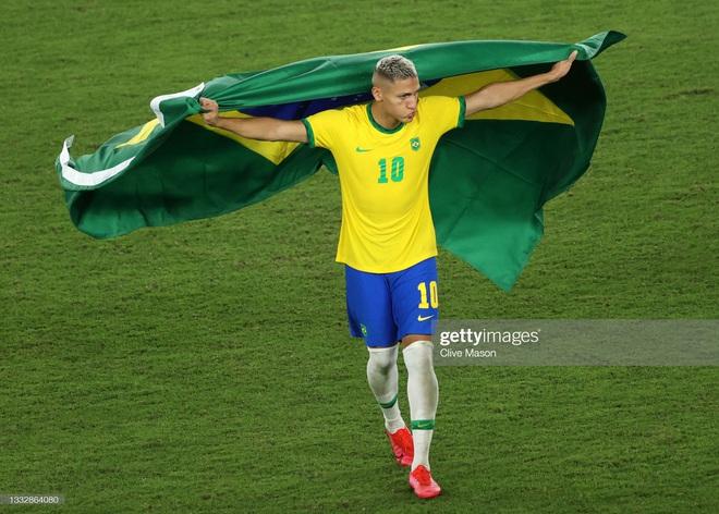 Quẳng đi 2 cơ hội mười mươi, Brazil vẫn tung cú đấm hạ gục Tây Ban Nha để bảo vệ thành công tấm HCV Olympic - Ảnh 3.