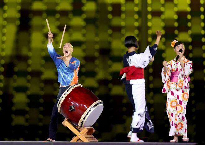 Bế mạc Olympic Tokyo 2020: Không dài lê thê phát buồn ngủ như khai mạc, ngày khép lại Thế vận hội đặc biệt nhất lịch sử tràn ngập tiếng cười, lắng đọng và ấn tượng - Ảnh 15.