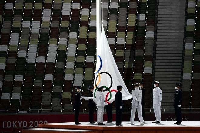 Bế mạc Olympic Tokyo 2020: Không dài lê thê phát buồn ngủ như khai mạc, ngày khép lại Thế vận hội đặc biệt nhất lịch sử tràn ngập tiếng cười, lắng đọng và ấn tượng - Ảnh 14.