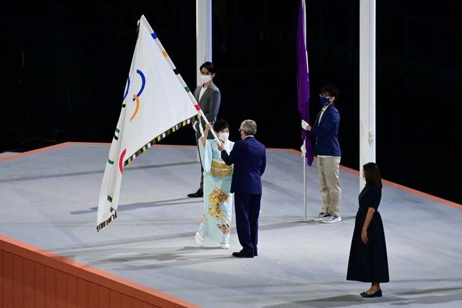 Bế mạc Olympic Tokyo 2020: Không dài lê thê phát buồn ngủ như khai mạc, ngày khép lại Thế vận hội đặc biệt nhất lịch sử tràn ngập tiếng cười, lắng đọng và ấn tượng - Ảnh 12.