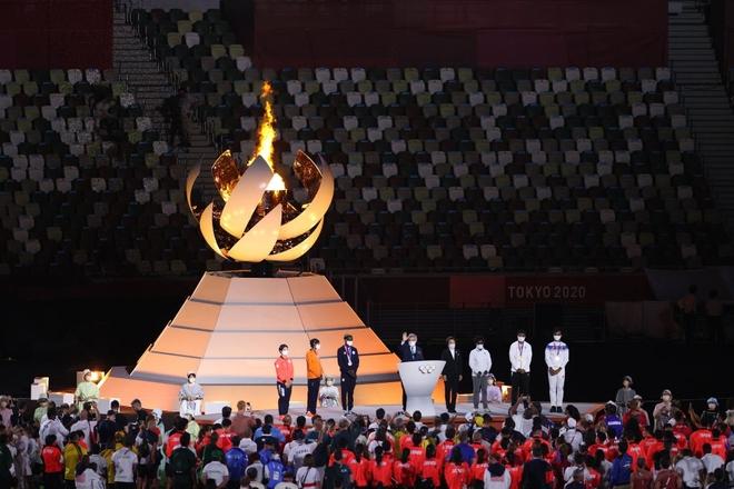 Bế mạc Olympic Tokyo 2020: Không dài lê thê phát buồn ngủ như khai mạc, ngày khép lại Thế vận hội đặc biệt nhất lịch sử tràn ngập tiếng cười, lắng đọng và ấn tượng - Ảnh 5.
