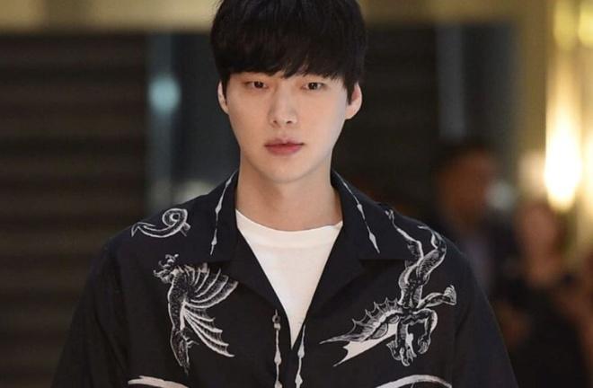 5 nam thần phim Hàn đụng đâu xịt đó: Ji Chang Wook toàn chọn sai kịch bản, Lee Dong Wook chết vai Goblin - Ảnh 4.