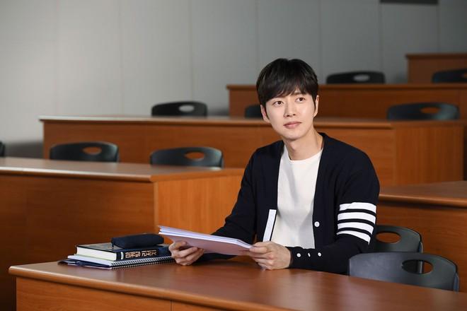 5 nam thần phim Hàn đụng đâu xịt đó: Ji Chang Wook toàn chọn sai kịch bản, Lee Dong Wook chết vai Goblin - Ảnh 10.