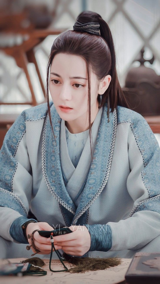 """Địch Lệ Nhiệt Ba được đề cử Thị hậu tại LHP Hàn Quốc, khó ăn giải vì đối đầu """"ác nữ"""" Penthouse - Ảnh 2."""