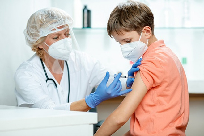 Hơn 24 vạn trẻ em Mỹ mắc Covid-19, hàng ngàn trẻ em Israel bị triệu chứng kéo dài - ảnh 1