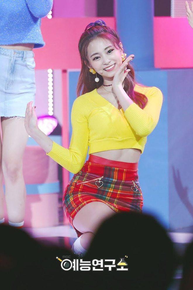 Thế nào là body của Tzuyu (TWICE) - nữ thần Kpop đứng đầu top 100 mỹ nhân đẹp nhất thế giới? - ảnh 19