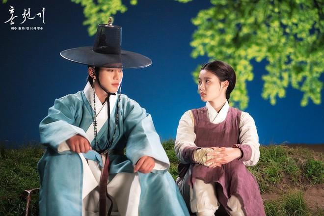 Kim Yoo Jung hôn trai đẹp cháy màn hình, rating bom tấn Hong Chun Gi lập tức cao chạm đỉnh - ảnh 2