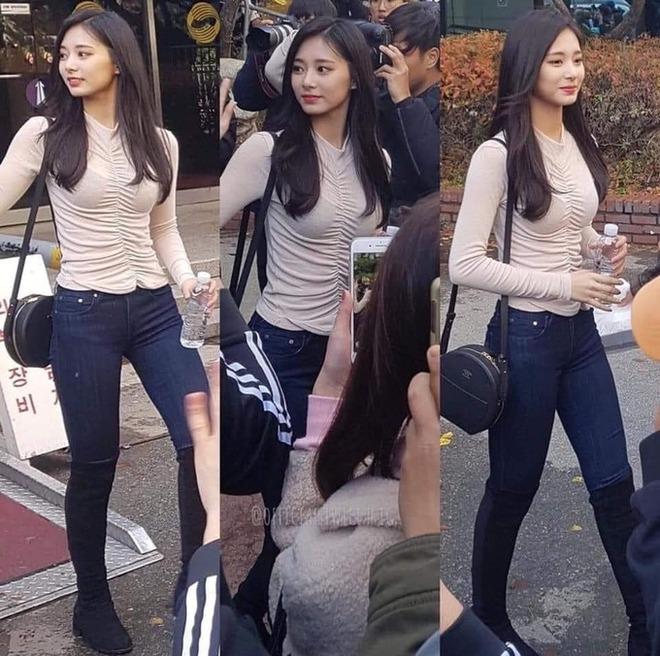Thế nào là body của Tzuyu (TWICE) - nữ thần Kpop đứng đầu top 100 mỹ nhân đẹp nhất thế giới? - ảnh 20
