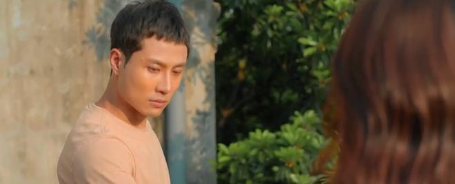 Khả Ngân đơ cứng người khi thấy crush thay đồ, mê trai đến rớt cả liêm sỉ ở 11 Tháng 5 Ngày tập 22 - ảnh 3