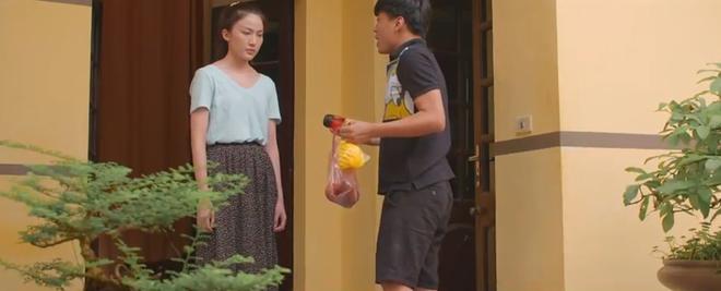Khả Ngân đơ cứng người khi thấy crush thay đồ, mê trai đến rớt cả liêm sỉ ở 11 Tháng 5 Ngày tập 22 - ảnh 4