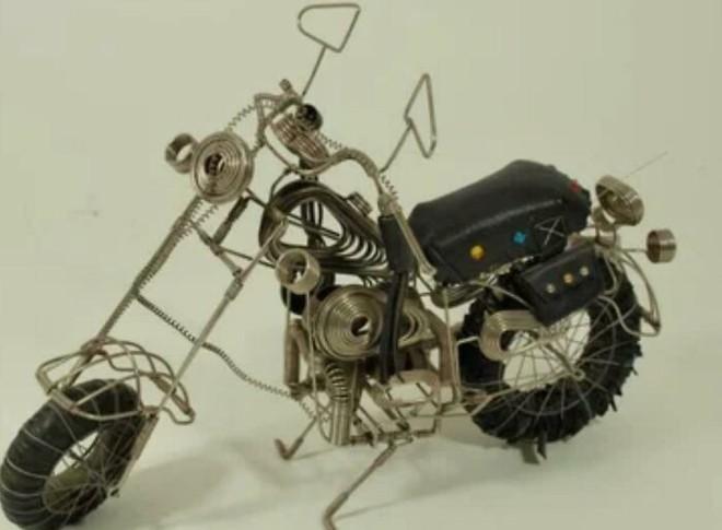 15 món đồ cực sáng tạo được làm ra bởi tù nhân, chế từ đủ loại vật liệu chả liên quan tí nào - ảnh 2