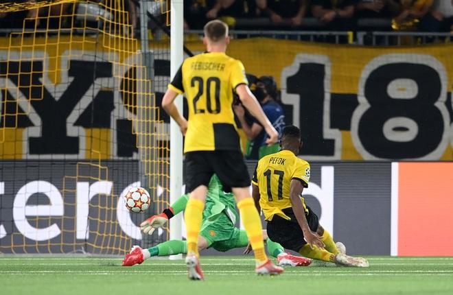 Thảm hoạ đồng đội phá hỏng công lao ghi bàn của Ronaldo - ảnh 10