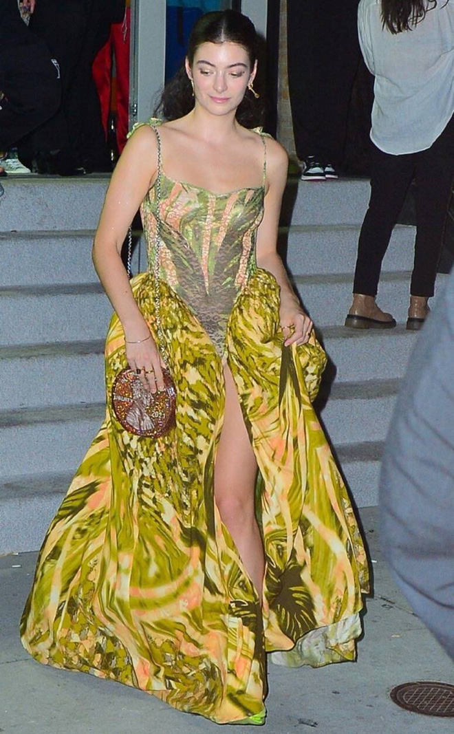 rs634x1024-210914043740-634-lourde-yellow-dress-met-gala-after-party-091421-16316686875211944750646.jpg