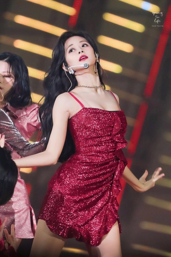 Thế nào là body của Tzuyu (TWICE) - nữ thần Kpop đứng đầu top 100 mỹ nhân đẹp nhất thế giới? - ảnh 11