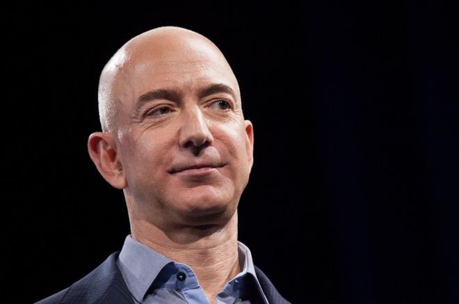 Loá mắt trước diện mạo bảnh bao của quý tử lớn nhà tỷ phú Amazon, xứng đáng lọt top những người thừa kế được khao khát nhất thế giới - ảnh 1