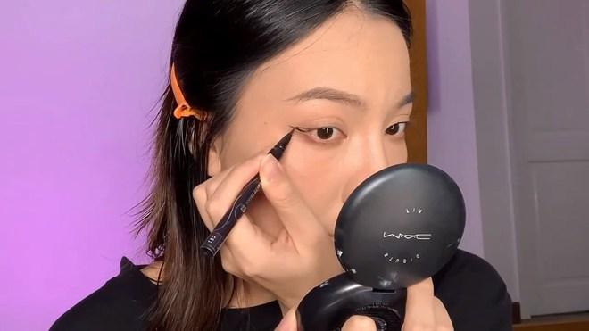 Cắt mái fail chưa chắc đã xấu, chỉ là bạn có biết makeup cao tay hay không thôi! - ảnh 4