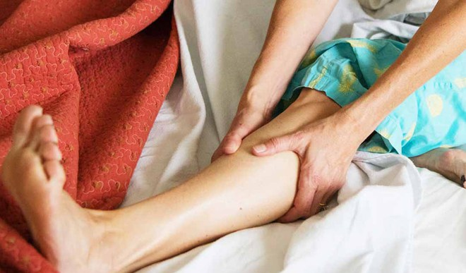 4 biểu hiện lạ khi ngủ cho thấy gan đang kém, xem thử bạn có gặp phải điều nào không - ảnh 2