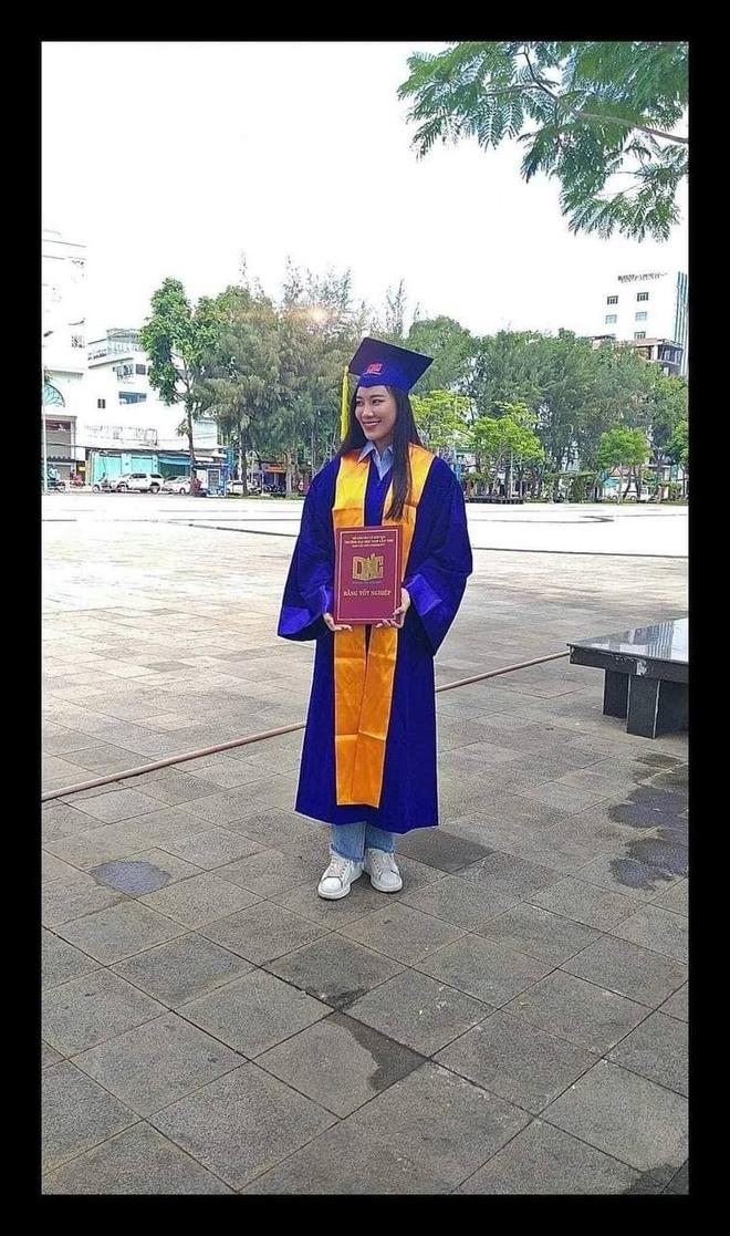 Á hậu Kim Duyên chính thức lên tiếng trước nghi vấn giả tốt nghiệp, bảng điểm bết bát, nợ 43 tín chỉ - ảnh 2