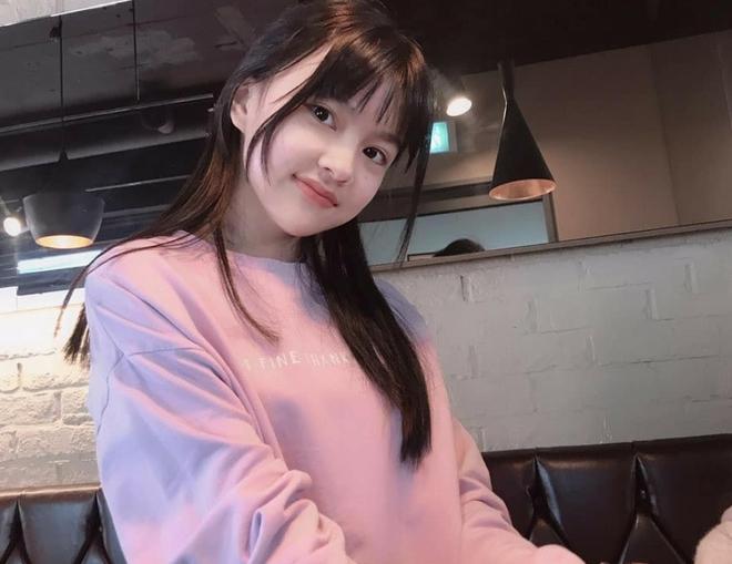 """Sao nhí """"át vía"""" Kim Yoo Jung khiến netizen phát sốt vì visual cực phẩm: 13 tuổi đã đóng 14 phim còn ẵm luôn cả giải thưởng lớn - Ảnh 5."""