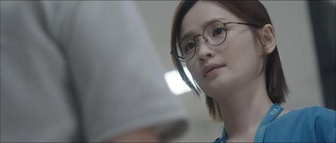 Hospital Playlist 2 TẬP CUỐI kết thúc viên mãn mà dang dở: Ik Jun - Song Hwa yêu nhau tới bến, đôi Bồ Câu vẫn mập mờ? - ảnh 8
