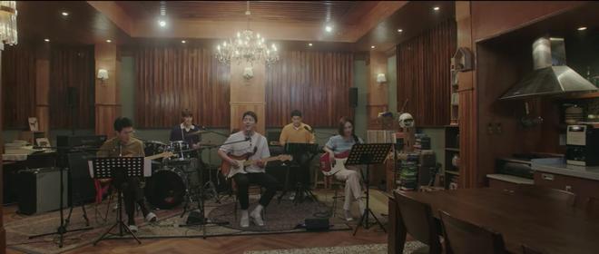 Hospital Playlist 2 TẬP CUỐI kết thúc viên mãn mà dang dở: Ik Jun - Song Hwa yêu nhau tới bến, đôi Bồ Câu vẫn mập mờ? - ảnh 11
