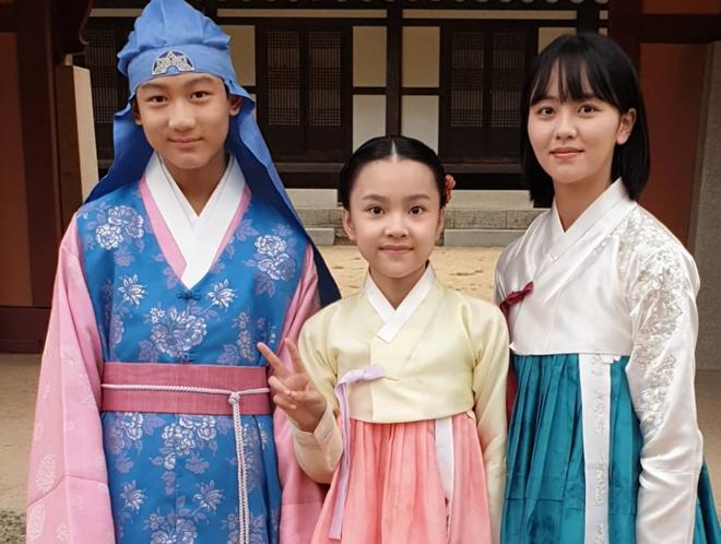"""Sao nhí """"át vía"""" Kim Yoo Jung khiến netizen phát sốt vì visual cực phẩm: 13 tuổi đã đóng 14 phim còn ẵm luôn cả giải thưởng lớn - Ảnh 6."""