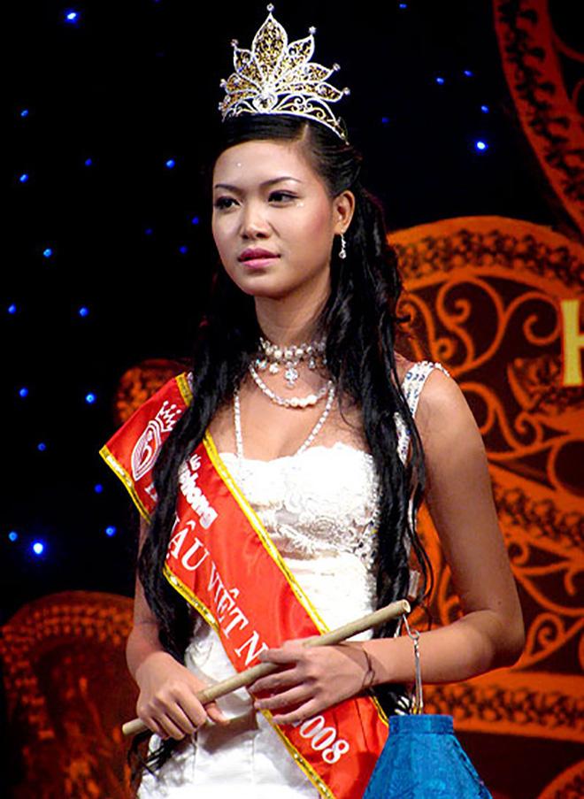 Hoa hậu, Á hậu gặp lùm xùm học vấn: Người bị tố chưa học xong cấp 3, người lộ bảng điểm thấp be bét - ảnh 2