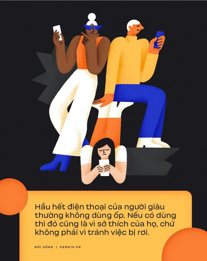 6 khác biệt về cách dùng điện thoại giữa người có tiền và người không, tới cái ốp lưng cũng phản ánh điều đó? - ảnh 1