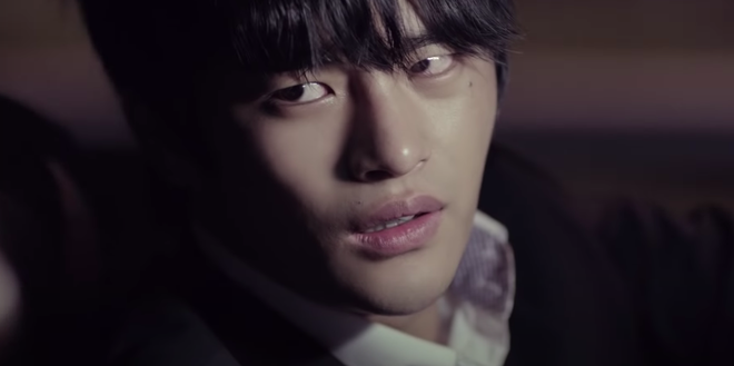 Nam chính bị crush bỏ đi cưới vợ trong MV plot twist nhất Kpop: Tự nhận mình xấu xí, sau 8 năm lột xác khiến ai nấy đều quay xe - ảnh 1