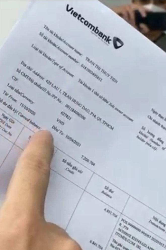 Công Vinh nói về việc có 2 số tài khoản ngân hàng: Đây là tài khoản đi chợ của Tiên, không có ai gửi tiền vào cho miền Trung hết - ảnh 1
