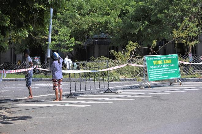 Sơn Trà trở thành quận xanh thứ 2 ở Đà Nẵng, toàn thành phố chỉ còn 38 điểm phong tỏa cứng - ảnh 1