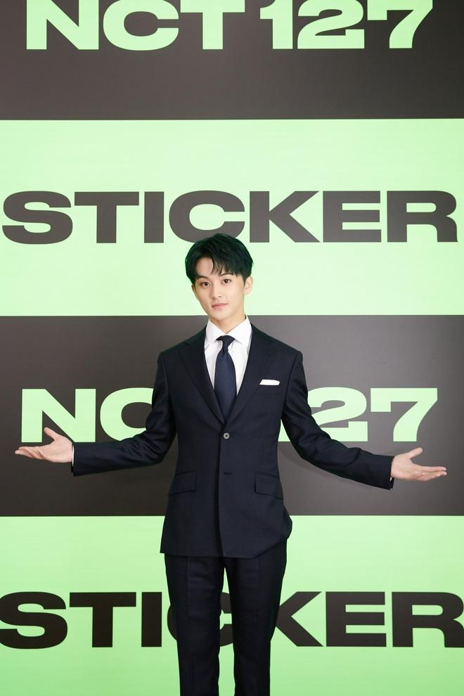 NCT 127 chiêu đãi cả bữa tiệc visual nhưng vẫn có 1 đặc sản khiến netizen phải hoang mang - ảnh 9