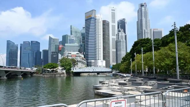 Lạc lõng, cô lập: Đây là những gì người không tiêm vaccine Covid tại Singapore đang cảm thấy ngay lúc này - ảnh 1