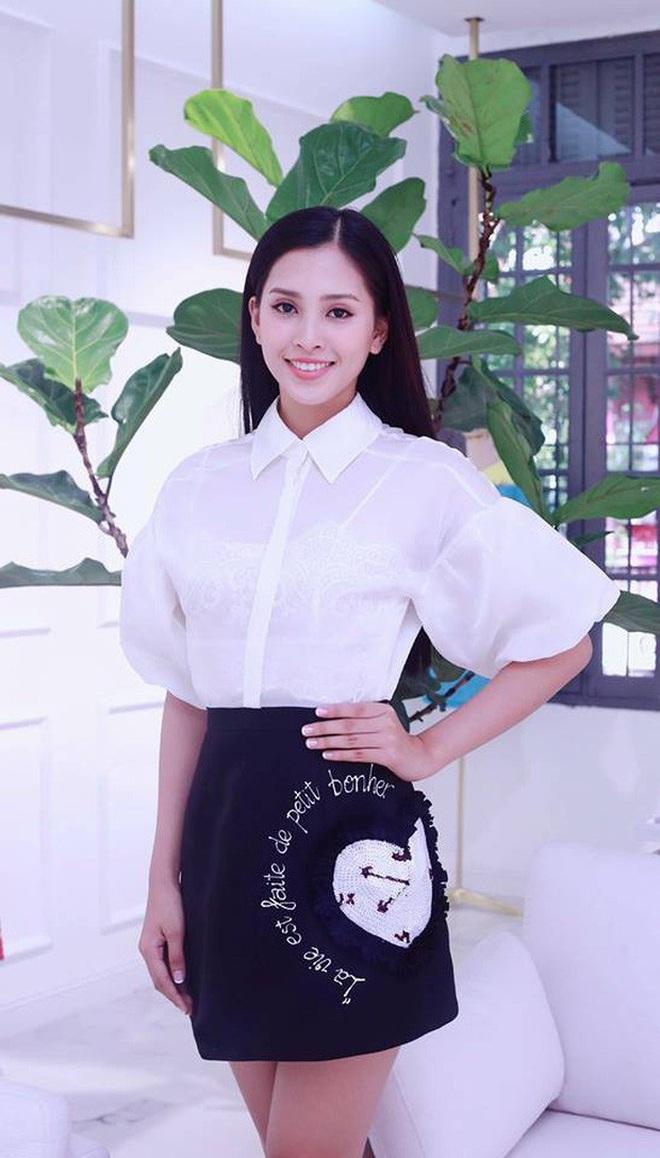 Khi váy áo được mỹ nhân Việt mặc hôm nay, hôm sau bán đầy ngoài chợ... - ảnh 11