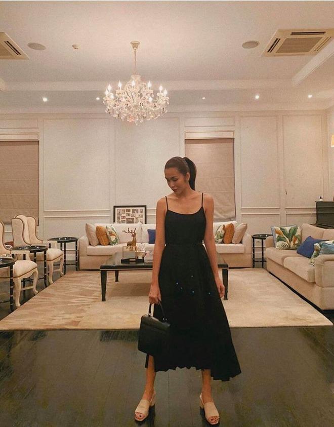 Tour tham quan phòng khách của giới siêu giàu: Không dát vàng lấp lánh cũng rộng thênh thang, đi trong nhà loá mắt mỏi chân phải biết... - ảnh 16