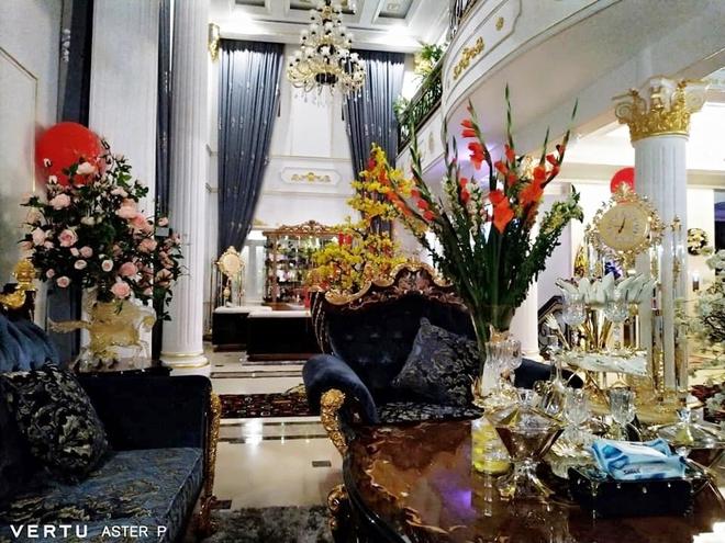 Tour tham quan phòng khách của giới siêu giàu: Không dát vàng lấp lánh cũng rộng thênh thang, đi trong nhà loá mắt mỏi chân phải biết... - ảnh 4