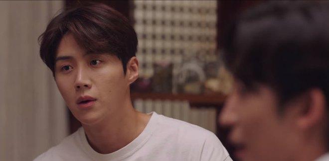 Tình địch hàng xịn của Kim Seon Ho lộ diện, chưa gì đã khiến Shin Min Ah mê tít ở Hometown Cha-Cha-Cha tập 7 - ảnh 1
