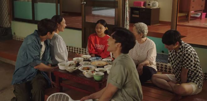 Tình địch hàng xịn của Kim Seon Ho lộ diện, chưa gì đã khiến Shin Min Ah mê tít ở Hometown Cha-Cha-Cha tập 7 - ảnh 7