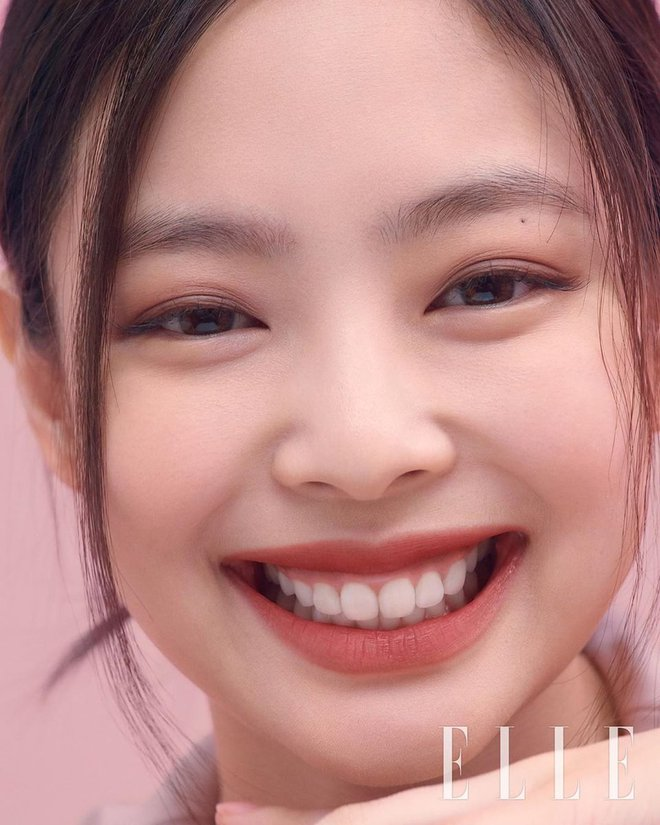 Trùng hợp bất ngờ giữa Nayeon và Jennie: cười lên là lộ khuyết điểm nhưng lại được nhiều người muốn sửa theo - ảnh 16