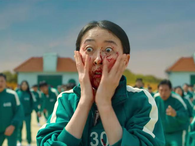 Bom tấn sinh tồn Hàn Squid Game vừa ra mắt đã bị chê đủ đường: Twist dễ đoán, xem còn tưởng phim tâm lý cơ - ảnh 3
