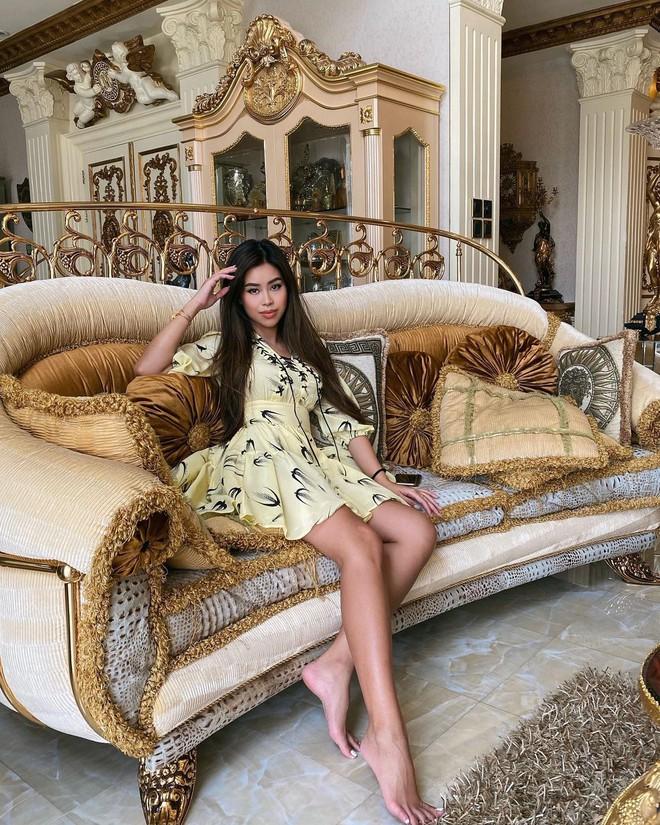 Tour tham quan phòng khách của giới siêu giàu: Không dát vàng lấp lánh cũng rộng thênh thang, đi trong nhà loá mắt mỏi chân phải biết... - ảnh 9