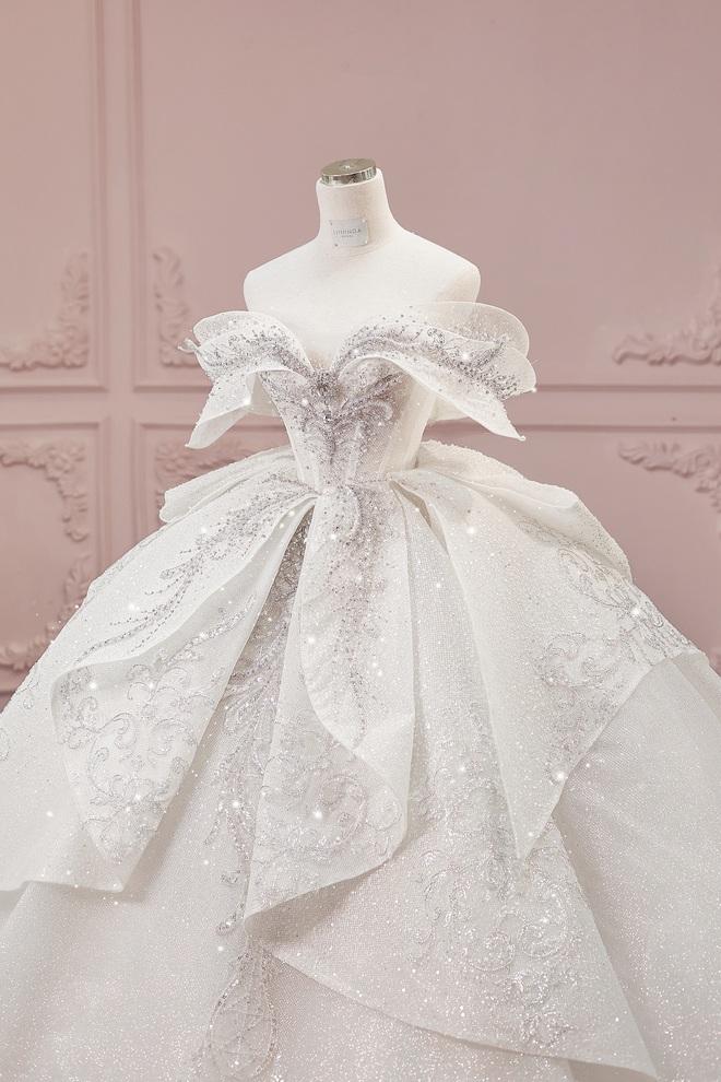 Ảnh Xoài Non làm cô dâu lại gây sốt diện rộng, giờ ngắm lại loạt váy cưới đỉnh cao vẫn thấy đẹp mê li - ảnh 8