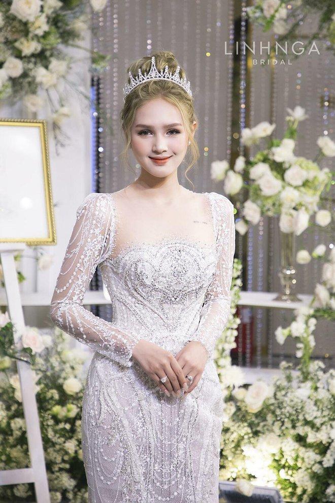 Ảnh Xoài Non làm cô dâu lại gây sốt diện rộng, giờ ngắm lại loạt váy cưới đỉnh cao vẫn thấy đẹp mê li - ảnh 10