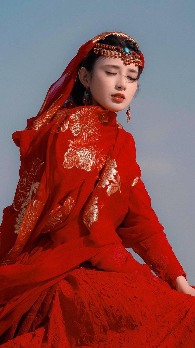 Bạch Lộc, Nhiệt Ba, Bành Tiểu Nhiễm... loạt mỹ nhân sinh ra để mặc y phục đỏ, ai nấy đều đẹp tới nao lòng - ảnh 10