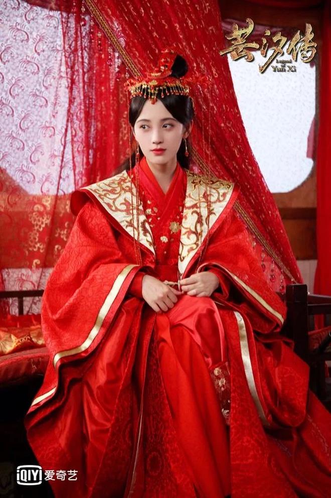 Bạch Lộc, Nhiệt Ba, Bành Tiểu Nhiễm... loạt mỹ nhân sinh ra để mặc y phục đỏ, ai nấy đều đẹp tới nao lòng - ảnh 15