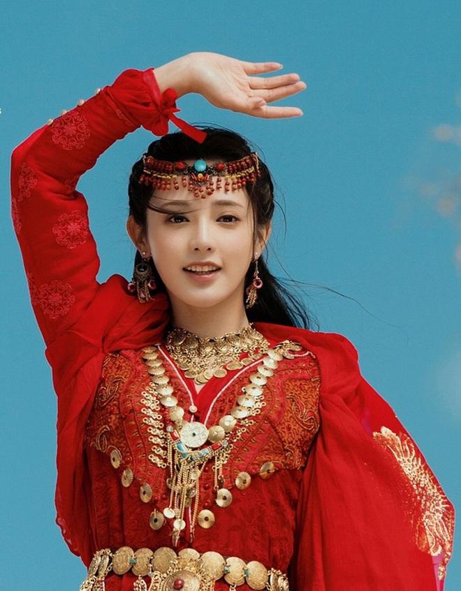 Bạch Lộc, Nhiệt Ba, Bành Tiểu Nhiễm... loạt mỹ nhân sinh ra để mặc y phục đỏ, ai nấy đều đẹp tới nao lòng - ảnh 9