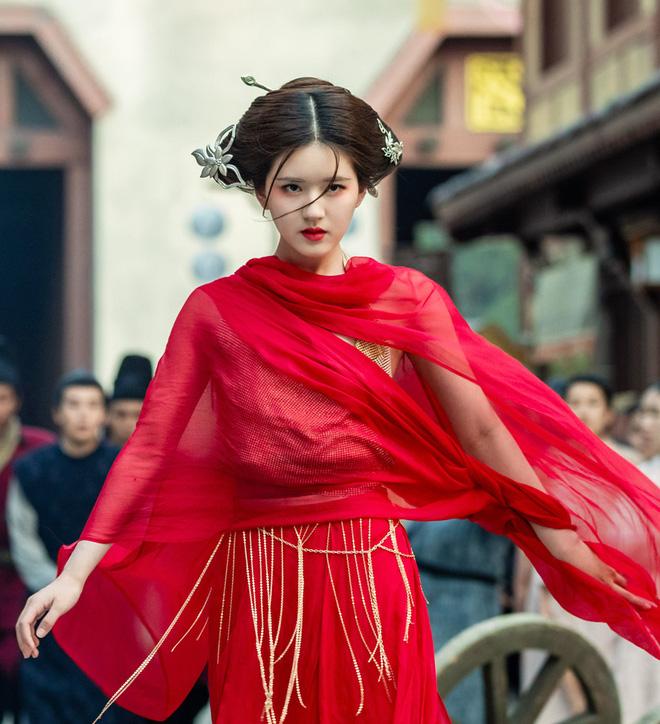 Bạch Lộc, Nhiệt Ba, Bành Tiểu Nhiễm... loạt mỹ nhân sinh ra để mặc y phục đỏ, ai nấy đều đẹp tới nao lòng - ảnh 21