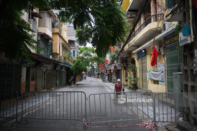 Ảnh: Ngày Quốc khánh đặc biệt giữa thời điểm Hà Nội thực hiện giãn cách xã hội - Ảnh 6.