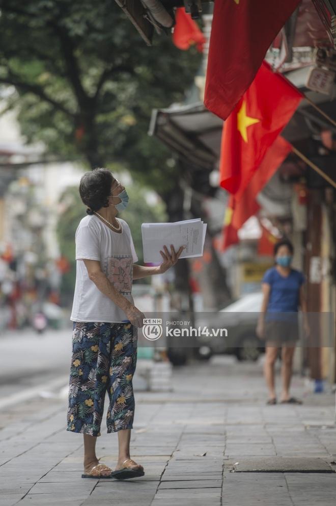 Ảnh: Ngày Quốc khánh đặc biệt giữa thời điểm Hà Nội thực hiện giãn cách xã hội - Ảnh 2.